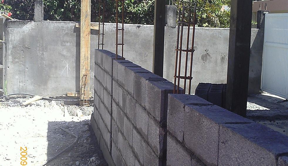 Travaux d'un mur de clôture en Guadeloupe - Photo 3