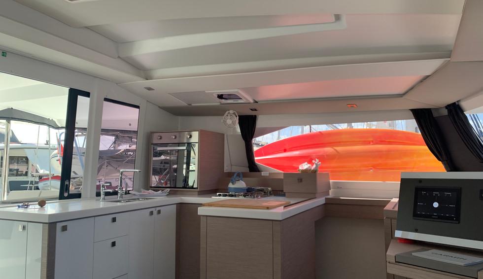 astrea-42-catamaran-antilles-sail-locati