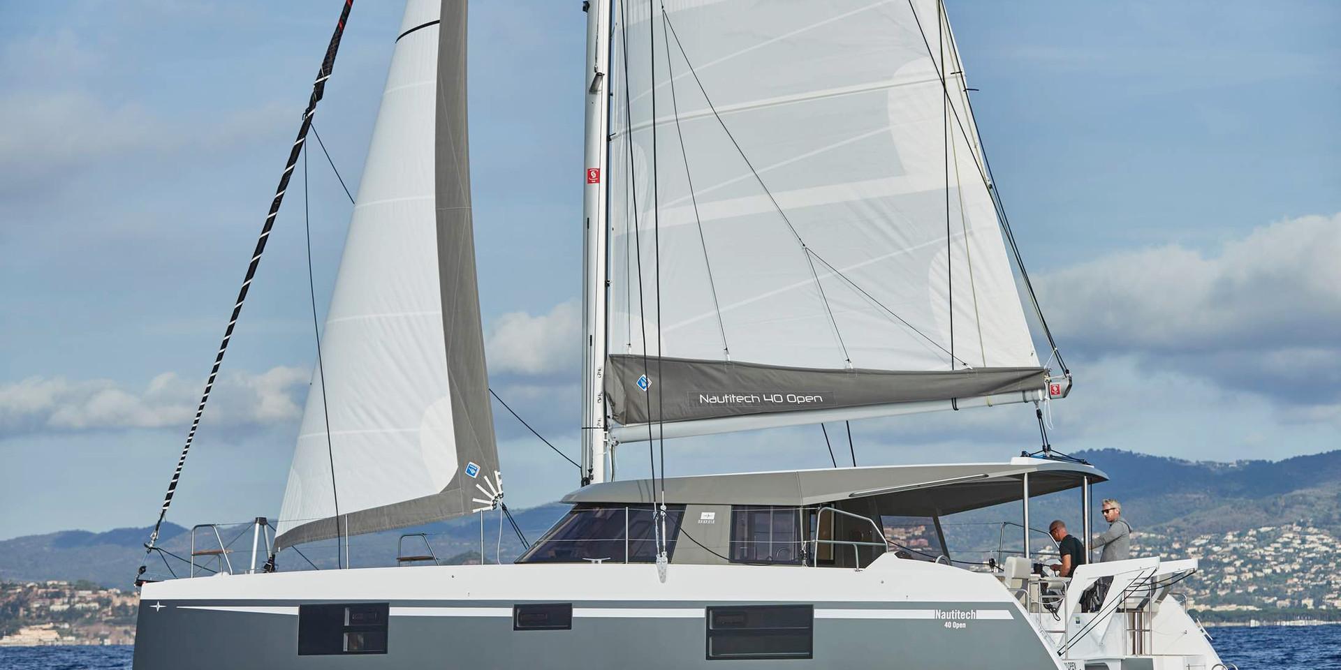 Catamaran-Nautitech-open-40-Antilles-Sai