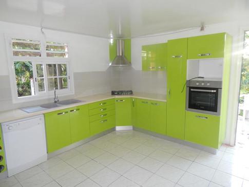 Cuisine verte conçue et fabriquée en Guadeloupe