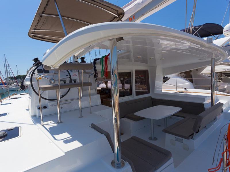 Catamaran-Lagoon-400s2-Antilles-Sail-Gua
