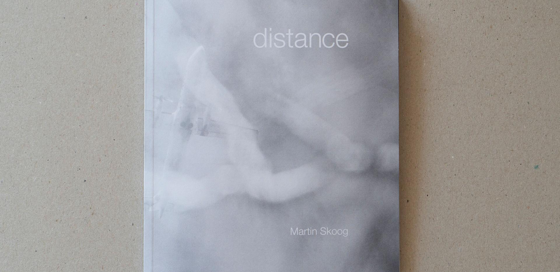 omslag-distance.jpg