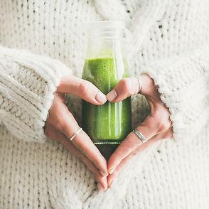 Winter seasonal smoothie drink detox. Fe