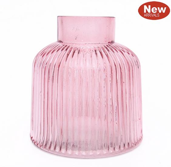 Pink glass vase 8cm wide x 10 cm high