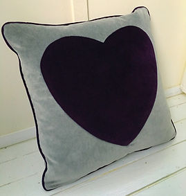 Cushion purple heart velvet piped