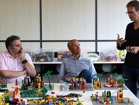 LEGO® SERIOUS PLAY® - JOUER & AVANCER EFFICACEMENT ENSEMBLE !