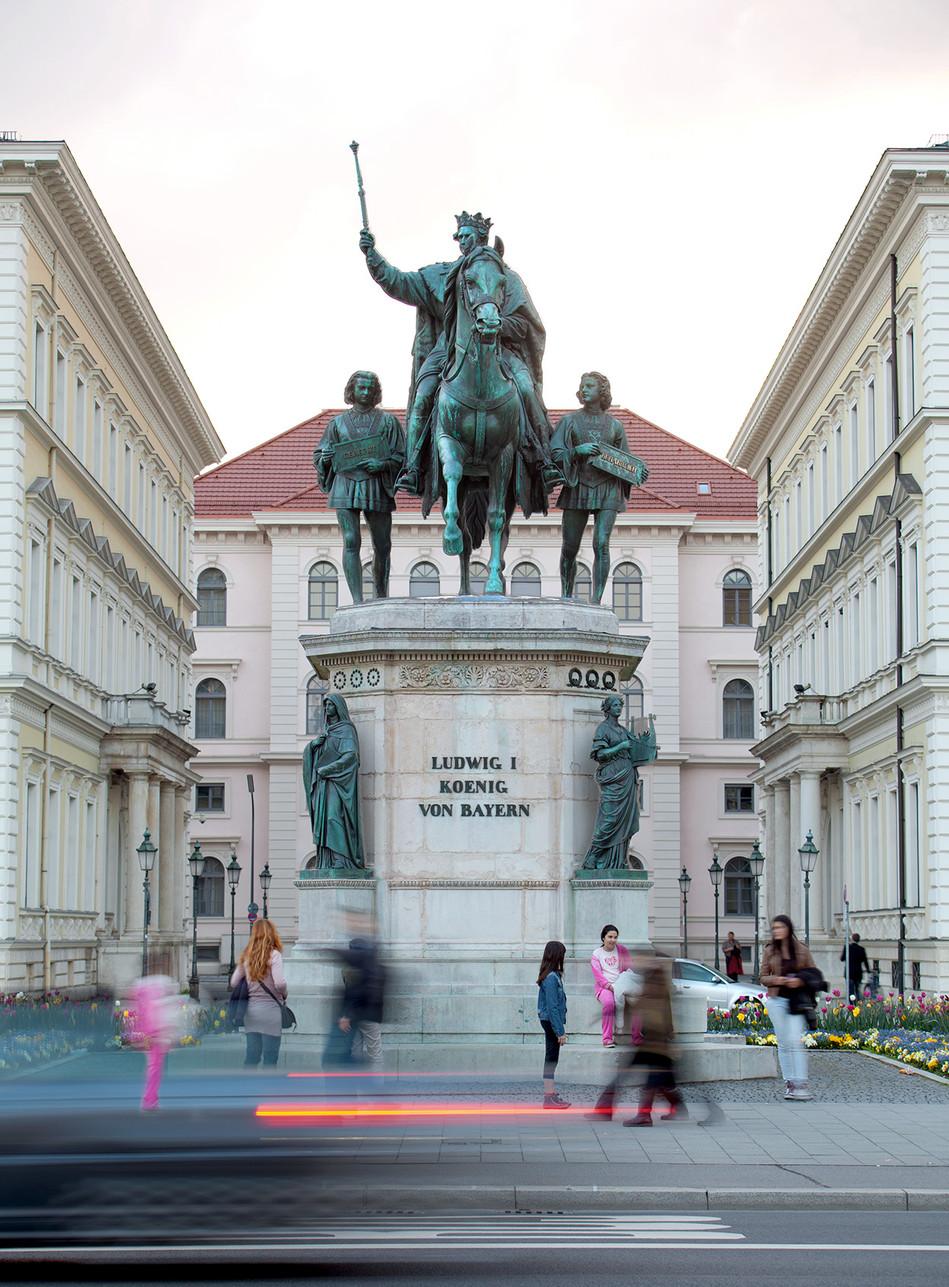 Anneliese Senger Stiftung, Reiterstandbild König Ludwig I. von Bayern, München