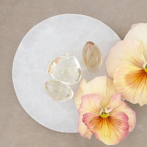 Äkta citrin står för manifestation och willpower. Finns på House of Indra.