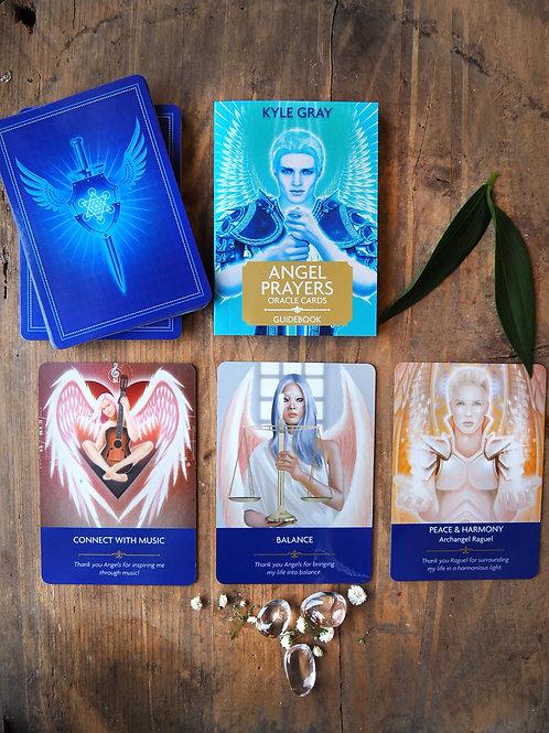 Angel prayers orakelkort finns på House of Indra.