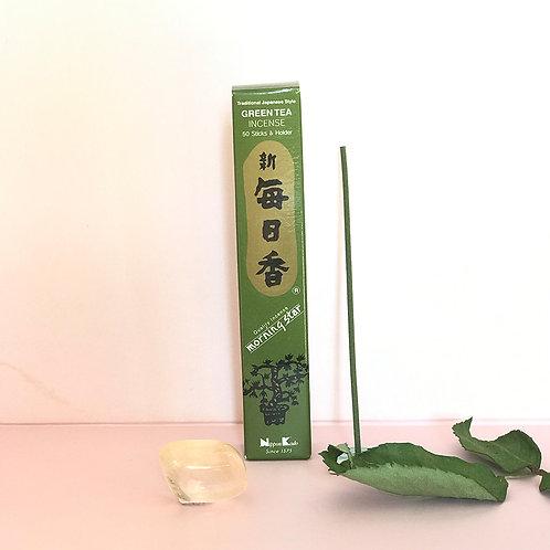 Grönt te, rökelsepinnar