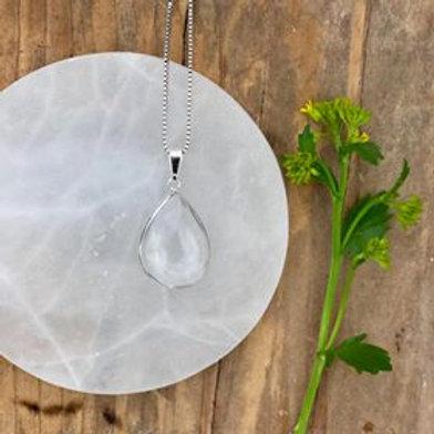 smycke i bergkristall, kristallhalsband i bergkristall, renar din aura och din energi, alla chakran