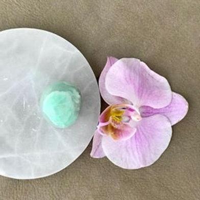 garnierit, grön månsten, en kristall för healing, divine feminin energi, house of indra, magi, orkide