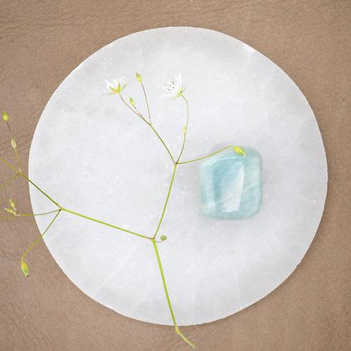 Akvamarinen är en kristall som uppmuntrar till sann och innerlig kommunikation.