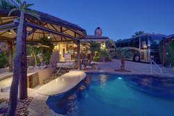 Villa 71 Luxury Motorcoach Resort