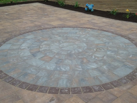 Three trendy patio design inlays to give your back yard an instant upgrade.