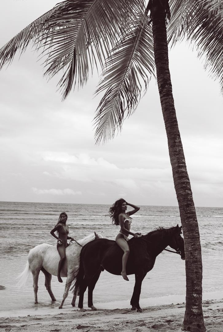 Coco & Eve in Jamaica