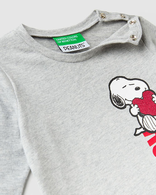 "POLERA GIRL con estampado de ""Snoopy"""