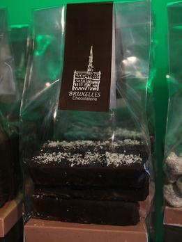 Barritas de Chocolate semi amargo 56% crema de coco de Tailandia.