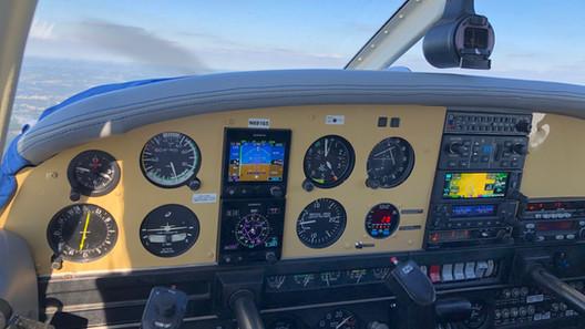 glass cockpit (EFIS) PA28 N69165