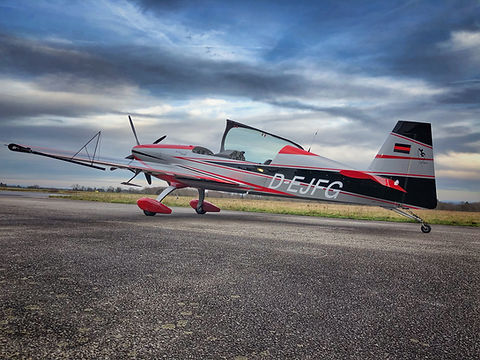 Extra 300, baptême de l'air voltige aéroclub NASA Limoges Bellegarde