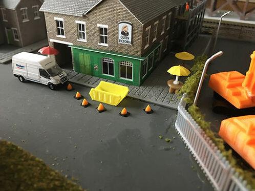 N Guage 2x Yellow skips + 10 Traffic cones