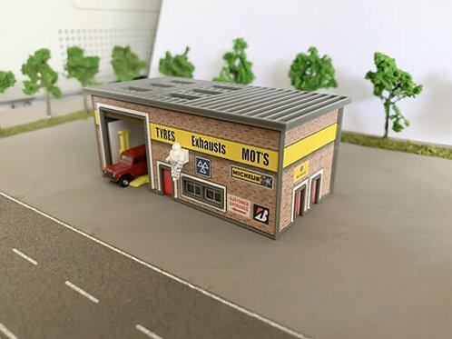 N Scale tyre shop
