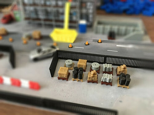 N Scale 10x pallets of goods