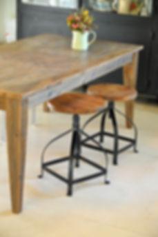 שולחן אוכל עץ ממוחזר