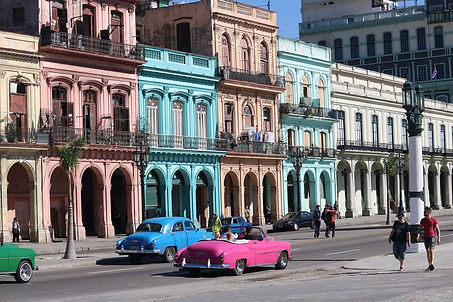 havana-architecture-cars.jpg
