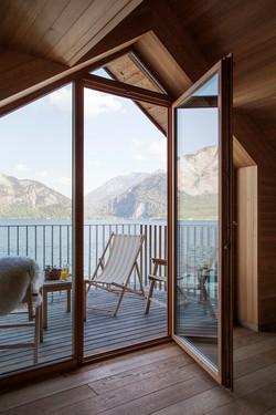 Balkon mit Aussicht auf den See