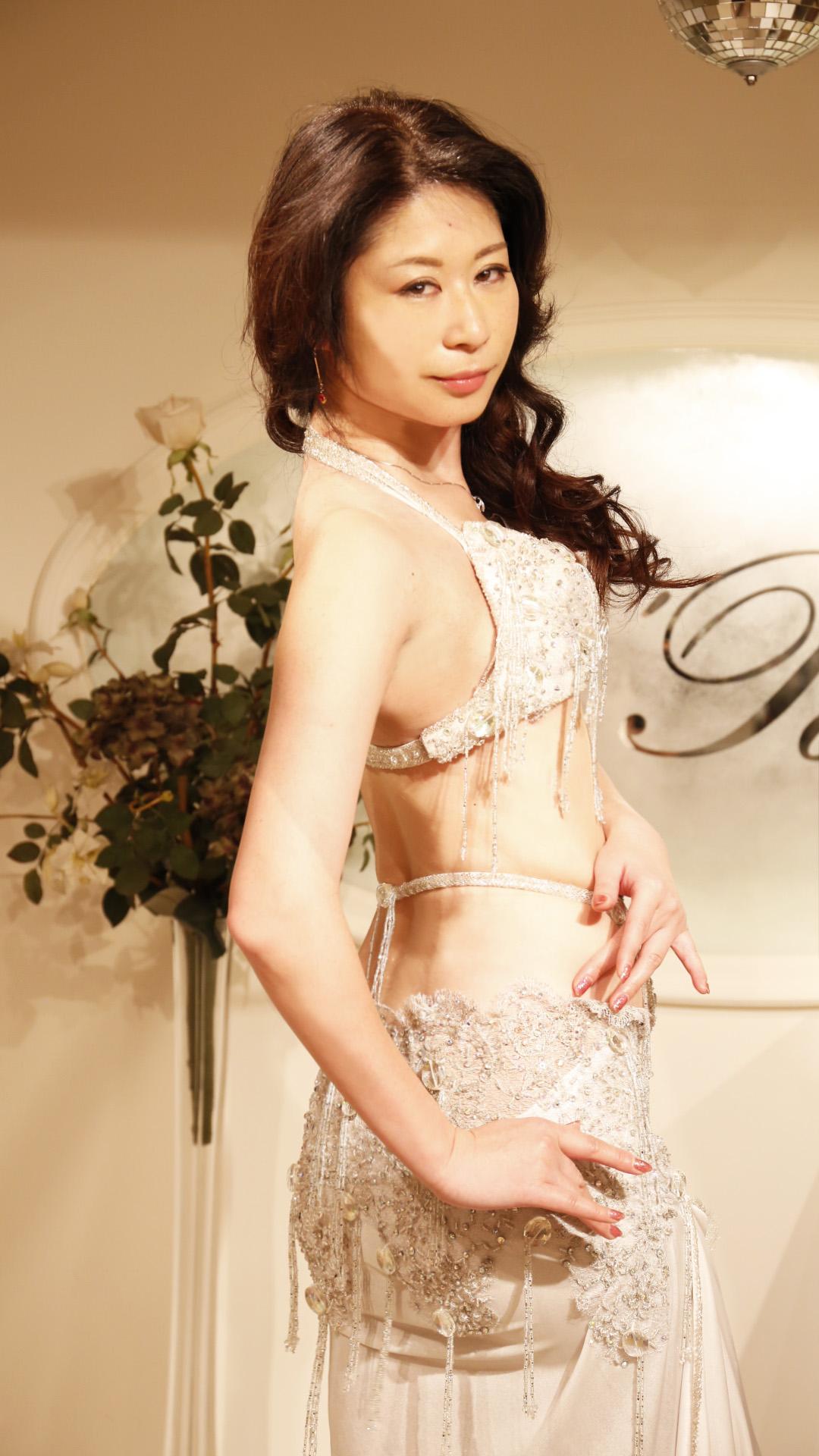 model.arishia