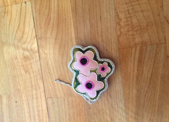 Manuka flower decoration