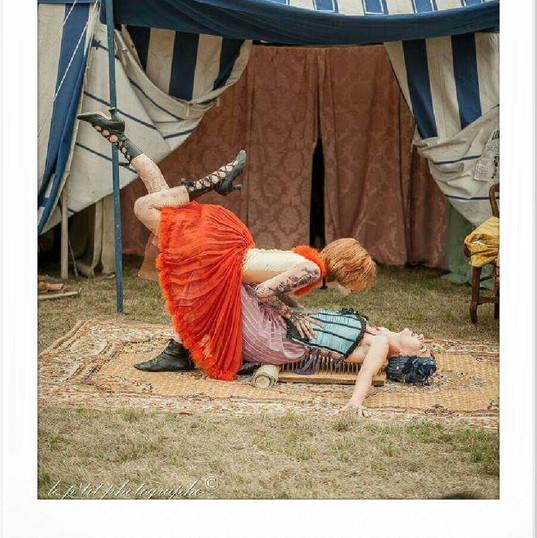 cirque forain avec Anne Vercasson fakiri