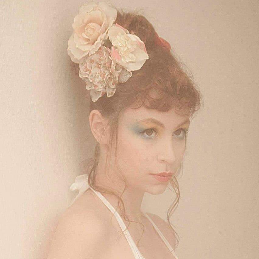 Portrait_à_la_fleur_Anne_Vercasson