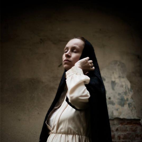 Anne Vercasson femme enceinte par Isaure