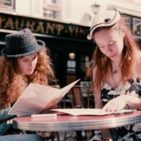 Anne_Vercasson_et_Atahana_Berton_café_pa