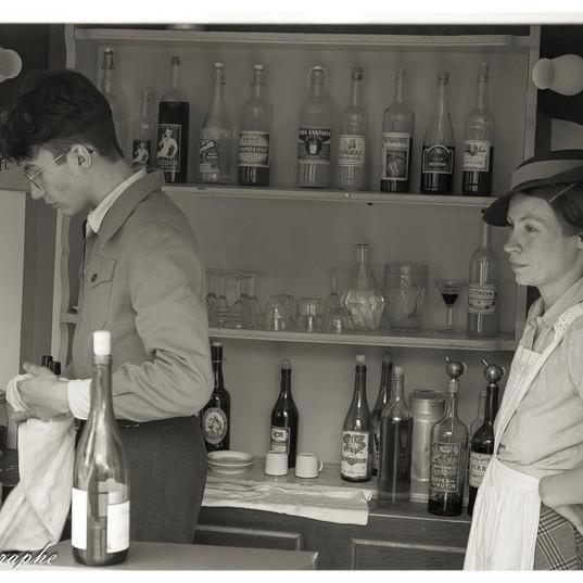 RECONSTITUTION_HISTORIQUE_au_café_1940_a