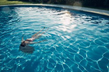 DR_Visit-Wales_Swim_2726.jpg