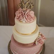 Ivory and dusky pink wedding cake
