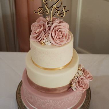 Ivory and dusky pink wedding cake