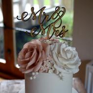 Ivory and dusky pink wedding cake topper details