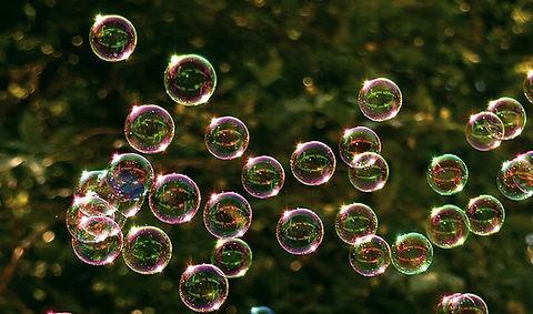 soap-bubbles-2417436__480_edited_edited.jpg
