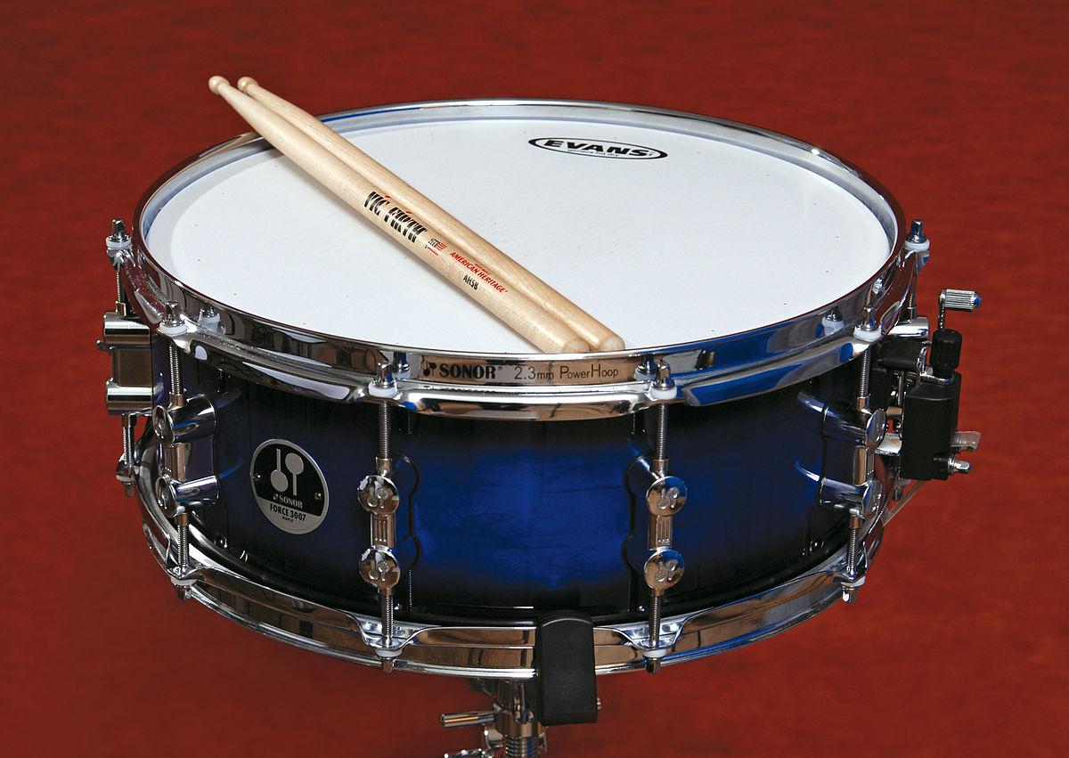 1200px-Snare_drum_-_Vladimir_Morozov