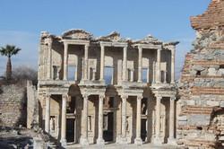 Biblioteca_de_Celso,_en_Éfeso,_vestigios_milenarios_grecorromanos_en_suelo_turco