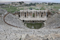 Hierápolis,_en_Pamukkale,_Turquía