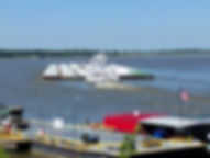 Mississippi riverboat daytime.jpg