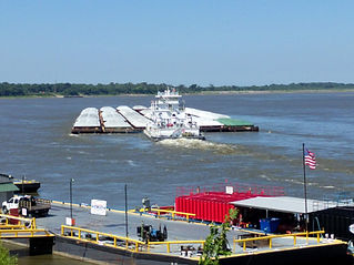 Mississippi riverboat daytime.jpg