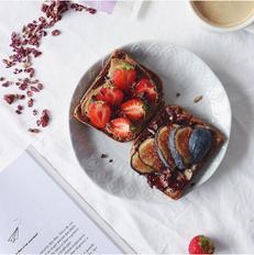 berry_granola_toast_asvezesmaria.png