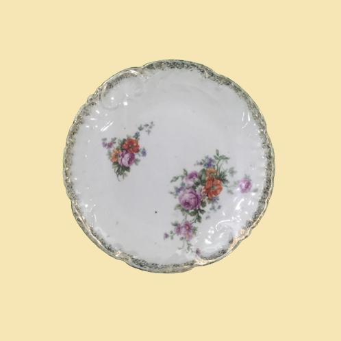"""Plato pequeño de porcelana """"Fabiola de Bélgica"""" 1890's"""