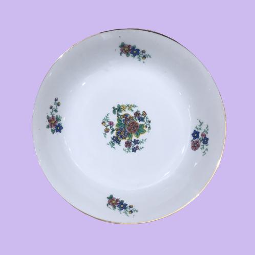 """Plato hondo de porcelana de Limoges """"Adelaida de Aquitania"""" 1930's"""